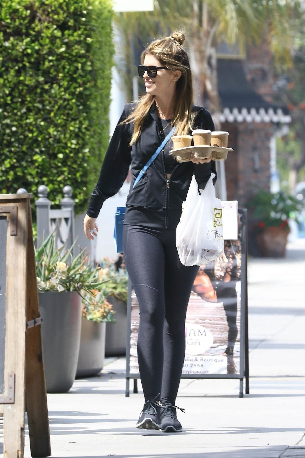 KATHERINE SCHWARZENEGGER Out for Coffee in Brentwood 03/31 ...