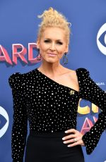 KIMBERLY SCHLAPMAN at 2018 ACM Awards in Las Vegas 04/15/2018