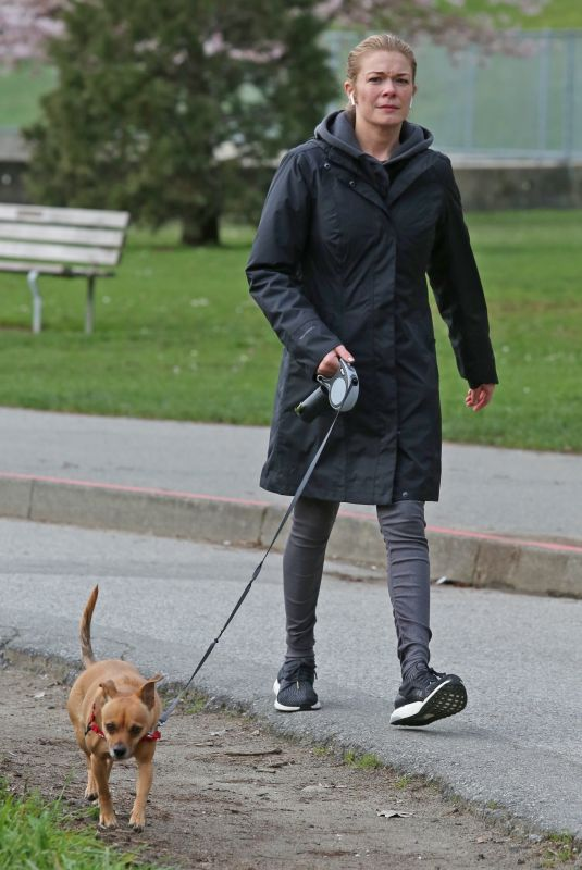 LEANN RIMES Walks Her Dog Out in Vancouver 04/10/2018