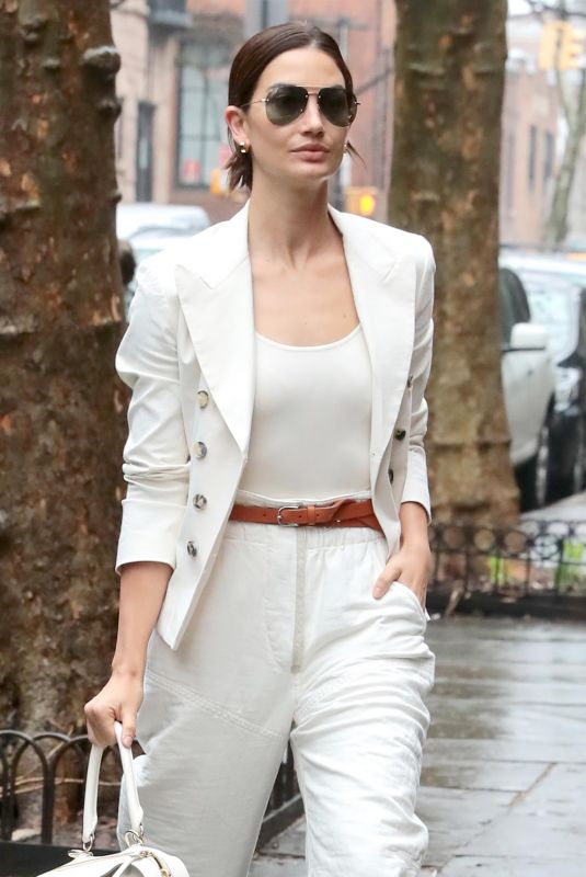LILY ALDRIDGE Arrives for a Photoshoot in Brooklyn 04/04/2018