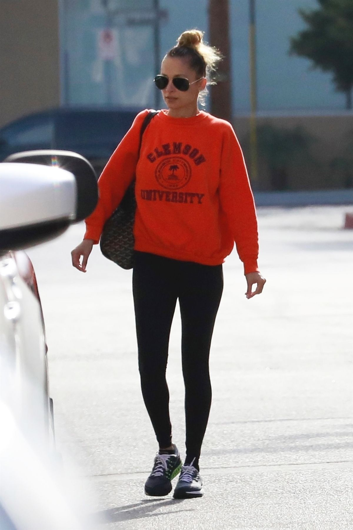 NICOLE RICHIE Out and ... Nicole Richie