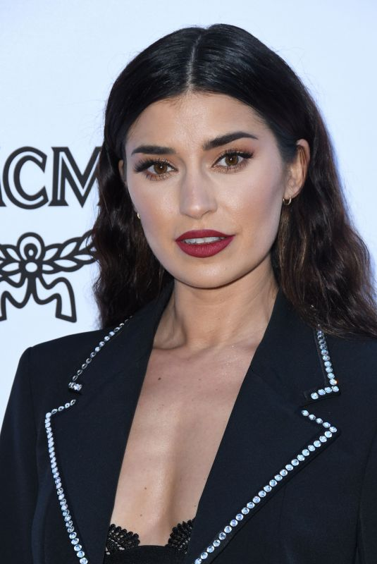 NICOLE WILLIAMS at Daily Front Row Fashion Awards in Los Angeles 04/08/2018
