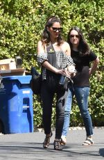 OLIVIA MUNN Outa nad About in Los Angeles 04/10/2018