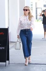 REESE WITHERSPOON Heading to a Business Meeting in Los Angeles 04/23/2018