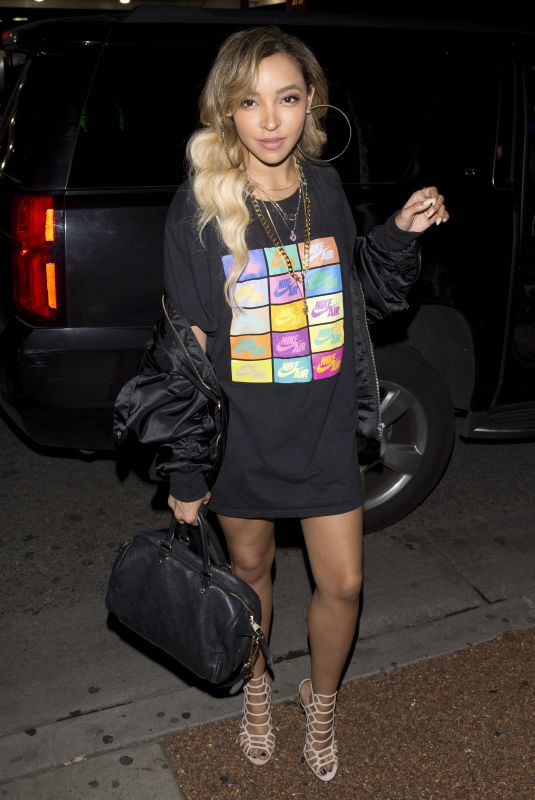 TINASHE at Delilah Night Club in West Hollywood 03/31/2018