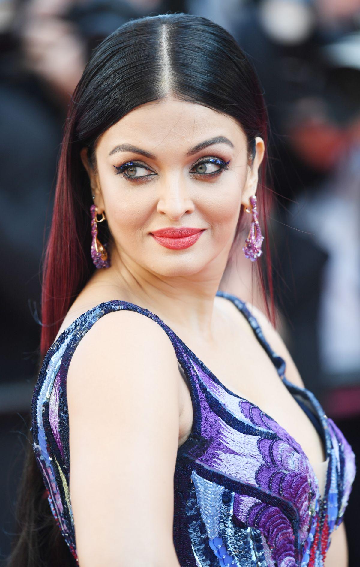 Aishwarya Rai At Girls Of The Sun Premiere At Cannes Film Festival