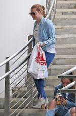 AMY ADAMS Shopping at Tom