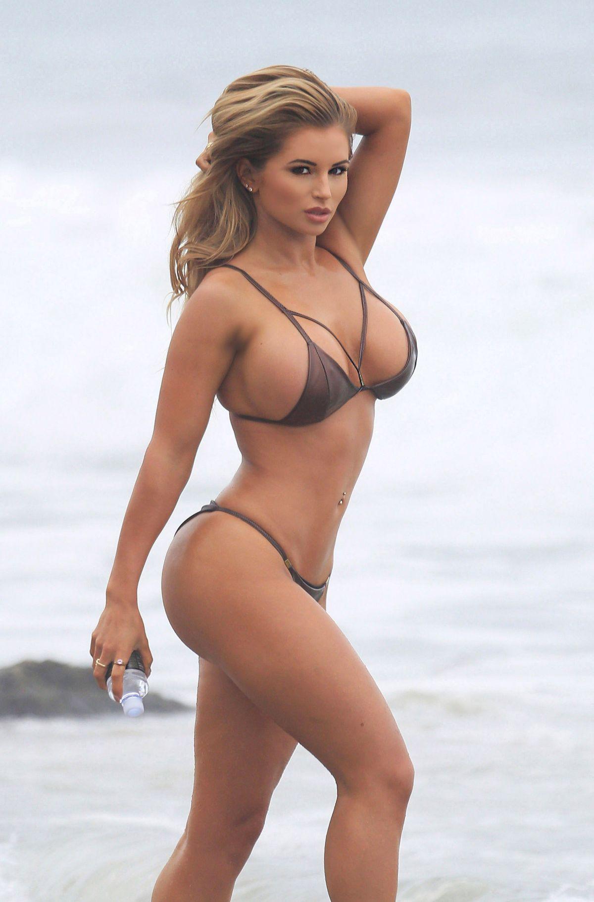 pic sex bikini Amy lee