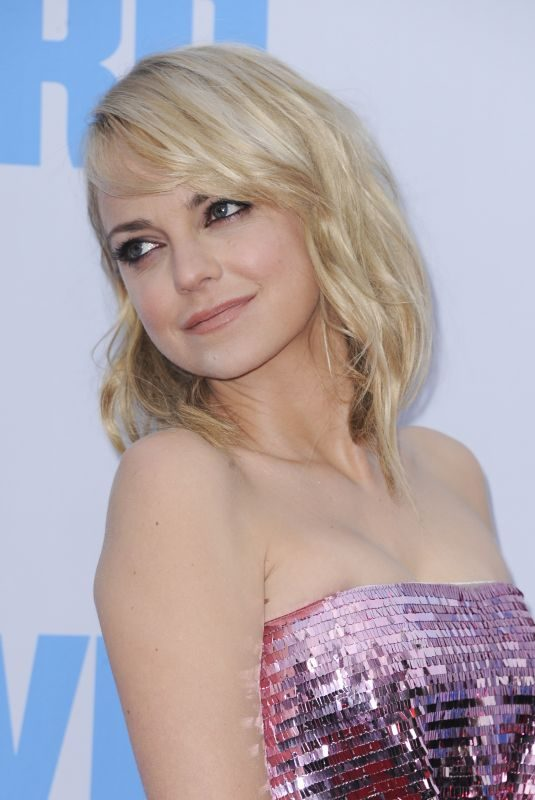 ANNA FARIS at Overboard Premiere in Los Angeles 04/30/2018