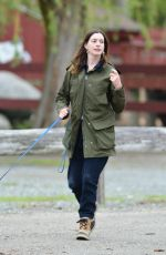 ANNE HATHAWAY at a Farm Stand in Easton 05/13/2018