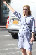 CLAIRE DANES Hailing a Cab in New York 05/02/2018