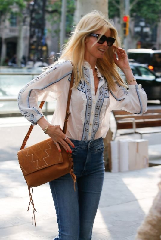 CLAUDIA SCHIFFER Out and About in Barcelona 05/17/2018