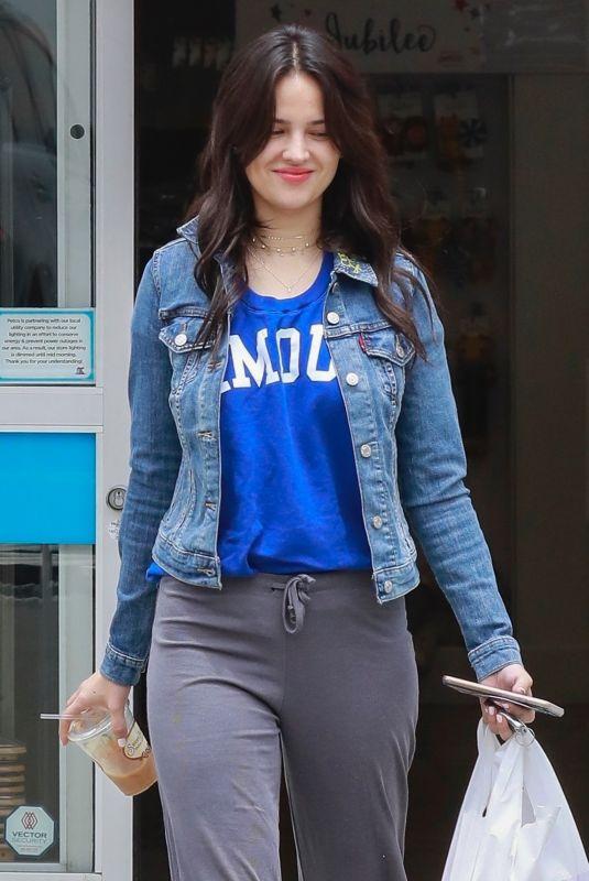 EIZA GONZALEZ Shopping at Petco in Studio City 05/20/2018