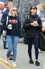 GENEVIEVE HANNELIUS Shopping at Farmers Market in Los Angeles 05/13/2018