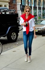 GIGI HADID Arrives at Her Home in New York 05/06/2018