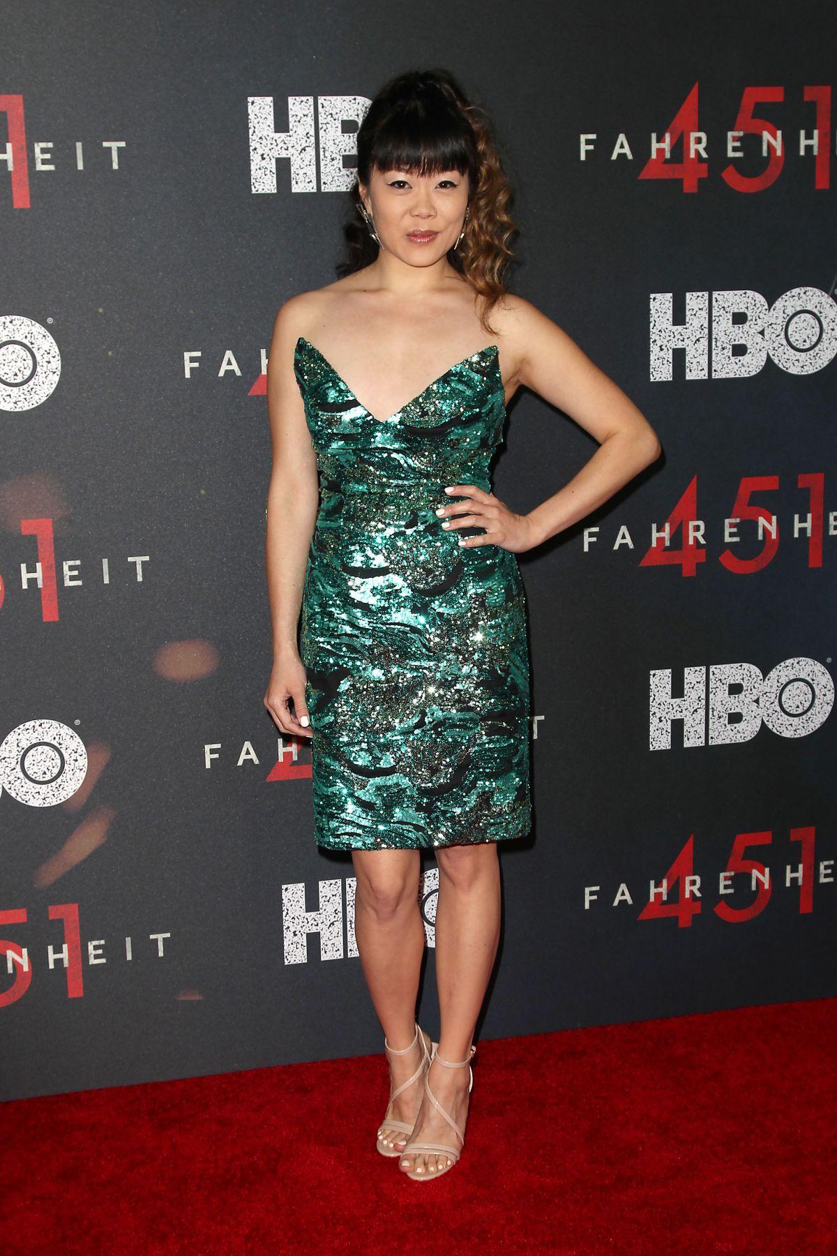 Kara Young - Fahrenheit 451 Premiere in NYC • CelebMafia
