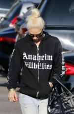 GWEN STEFANI in Ripped Jeand Out in Los Angeles 05/23/2018