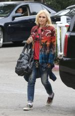 GWEN STEFANI Out and About in Los Angeles 05/19/2018