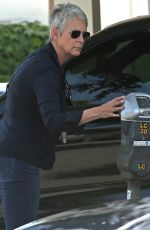 JAMIE LEE CURTIS Out and About in Beverly Hills 05/04/2018