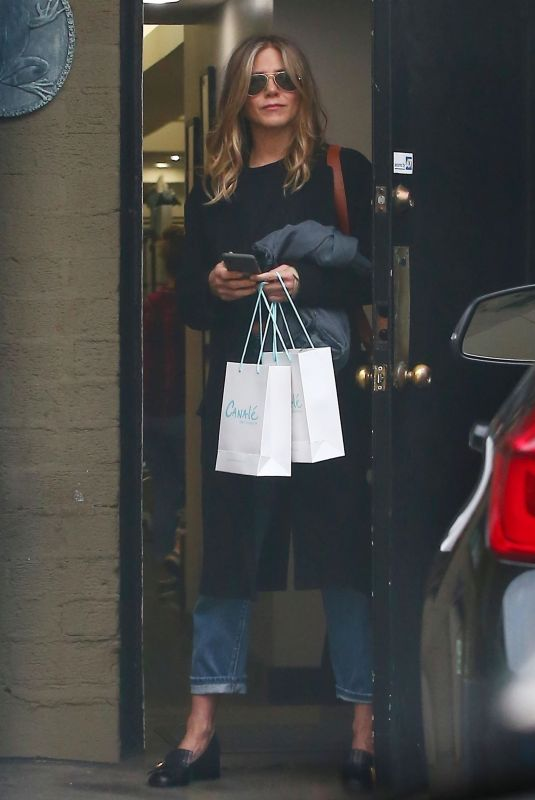 JENNIFER ANISTON Leaves a Hair Salon in Beverly Hills 05/21/2018