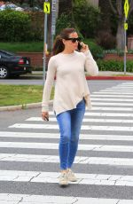 JENNIFER GARNER Out and About in Brentwood 05/02/2018