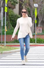 JENNIFER GARNER Out and About in Los Angeles 05/04/2018