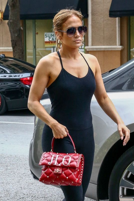 JENNIFER LOPEZ Arrives at a Hotel in Miami 05/24/2018