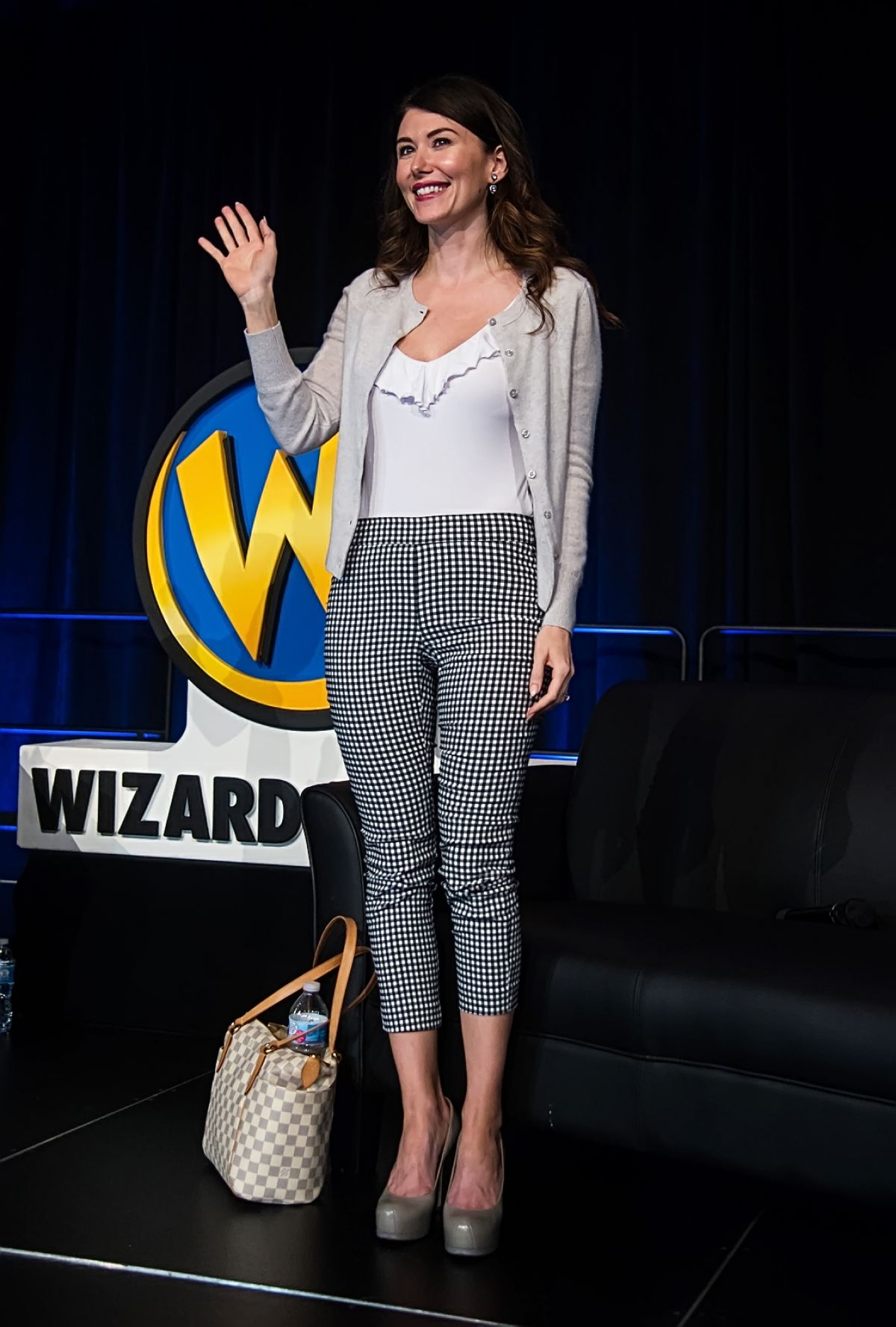 Jewel Staite Ar Wizard World Philadelphia Comic Pennsylvania Convention Center 12 Demi Lovato Email
