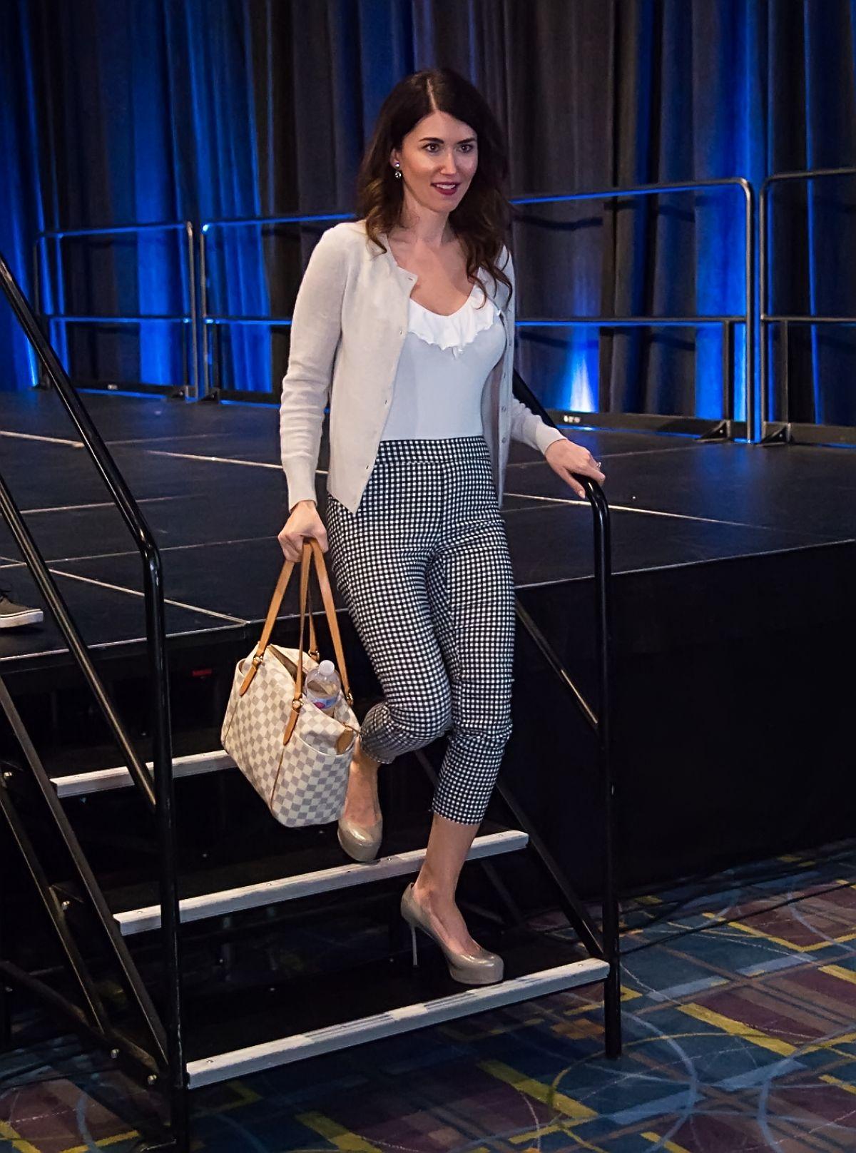 Jewel Staite Ar Wizard World Philadelphia Comic Con At