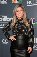 KELLY CLARKSON at Billboard Music Awards in Las Vegas 05/20/2018