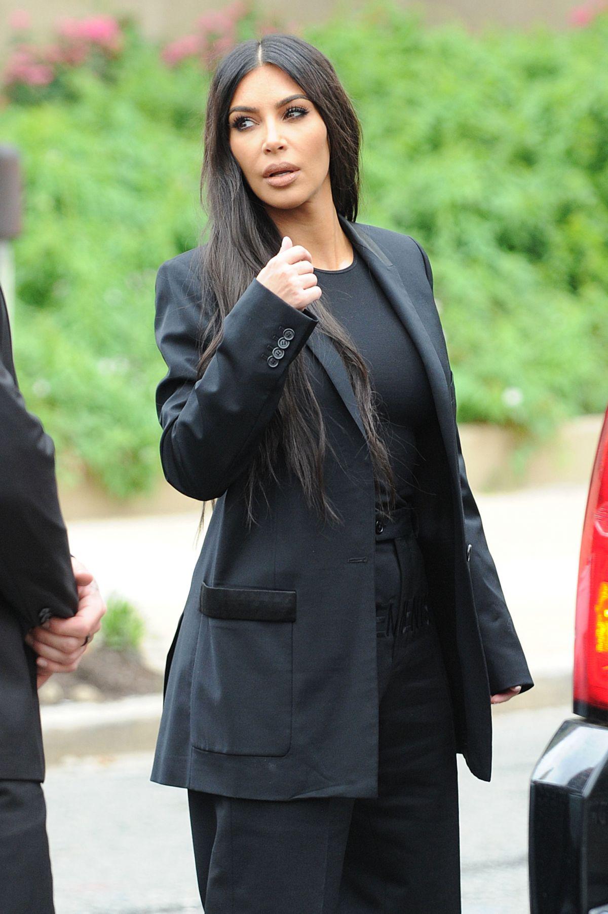 Kim Kardashian - HawtCelebs