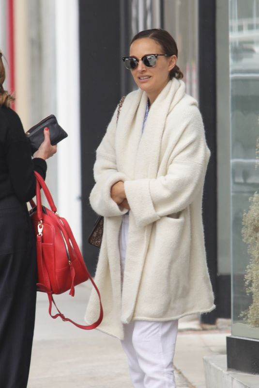 NATALIE PORTMAN Out for Lunch in Los Angeles 05/01/2018