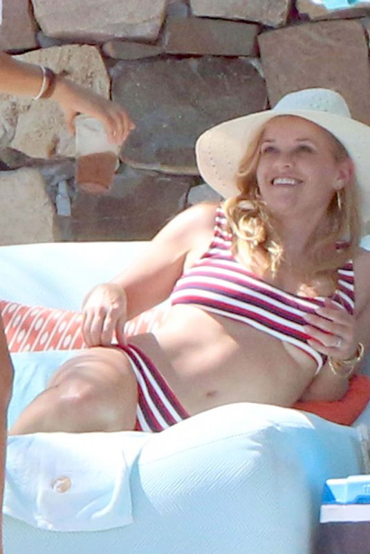REESE WITHERSPOON in Bikini in Cabo San Lucas 05/25/2018
