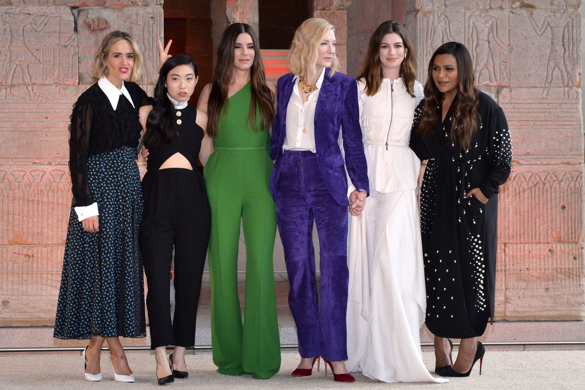 Anne Hathaway, Cate Blanchett and Sandra Bullock look so badass in the first Ocean's 8 poster forecast