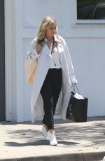 SARAH MICHELLE GELLAR Out Shopping in Beverly Hills 05/17/2018
