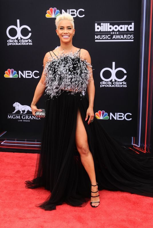 SIBLEY SCOLES at Billboard Music Awards in Las Vegas 05/20/2018