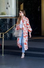 SOFIA VERGARA Shopping at Saks Fifth Avenue in Beverly Hills 05/07/2018