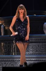 TAYLOR SWIFT Launches Her Reputation Tour in Glendale 05/09/2018