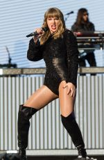 TAYLOR SWIFT Performs at BBC Biggest Weekend Festival in Swansea 05/272018