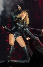 TAYLOR SWIFT Performs at Reputation Tour in Seattle 05/22/2018