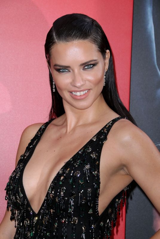adriana-lima-at-ocean-s-8-premiere-in-ne