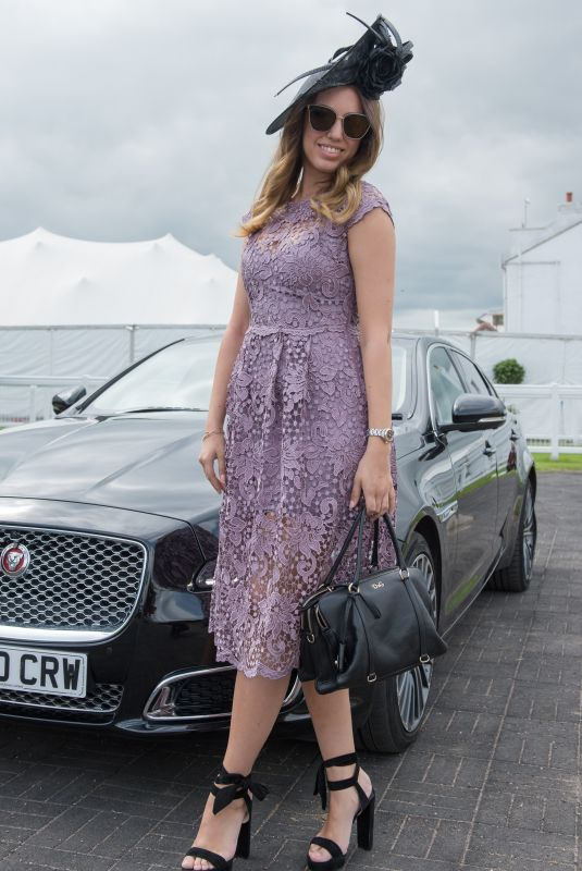AMBER LE BON at Investec Derby Festival Ladies Day at Epsom Racecourse 06/01/2018