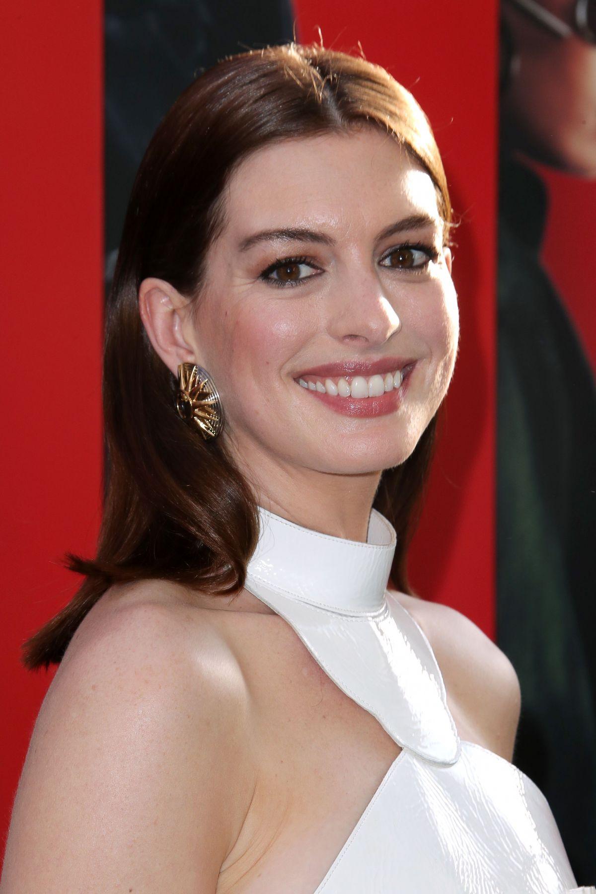 Anne Hathaway - HawtCelebs Anne Hathaway