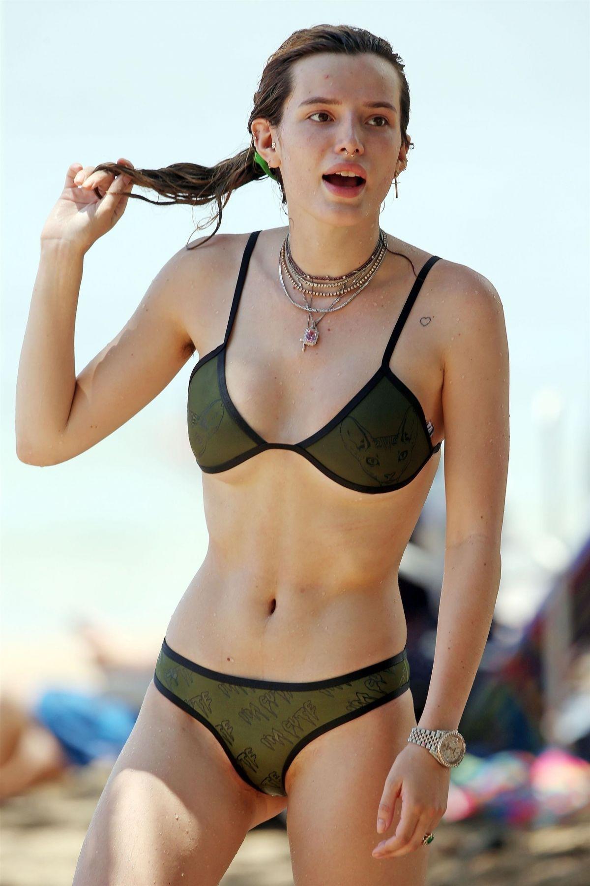 Bella Thorne hot Nude Photos 86