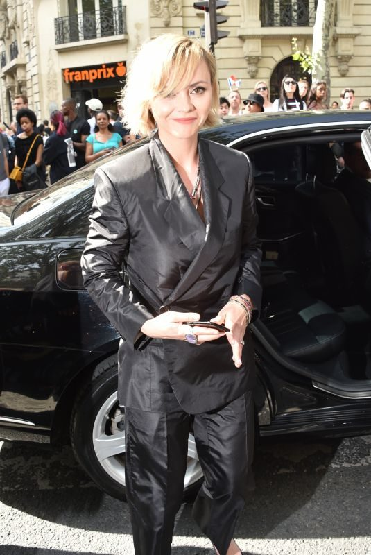 CHRISTINA RICCI Arrives at Dior Homme Spring/Summer Fashion Show in Paris 06/23/2018