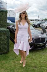 ELIZABETH HURLEY at Investec Derby Festival Ladies Day at Epsom Racecourse 06/01/2018