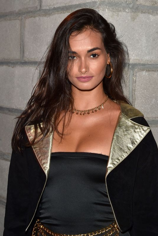 GIZELE OLIVEIRA at Backstage Secrets: A Decade Behind the Scenes at Victoria