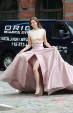 GRACE ELIZABETH on the Set of a Photoshoot in New York 06/06/2018