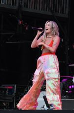 HALSEY Performs at 2018 Governors Ball Music Festival in Randall
