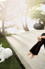 JENNIFER ANISTON in Architectural Digest